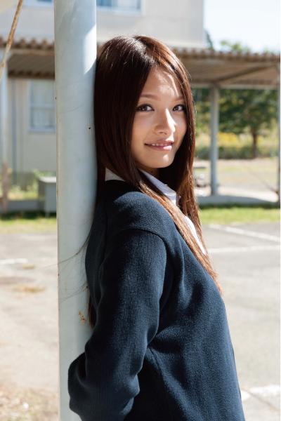 上田眞央のロングヘア画像
